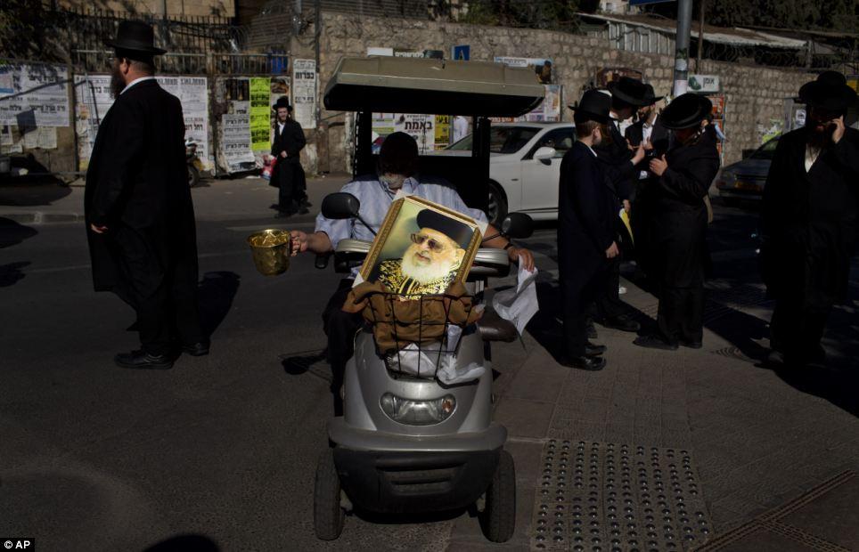 Pour ses partisans, le rabbin Yossef était un sage spirituel vénéré qui habilité masses