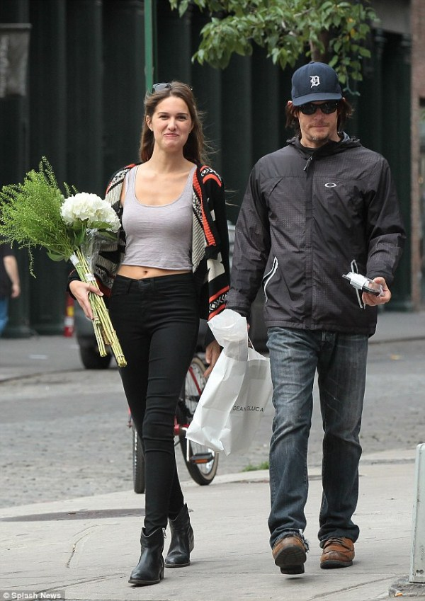 Walking Dead star Norman Reedus out with mystery lady in ...