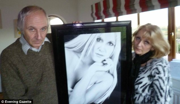 Ms Gosling's parents, Robert and Glenda, believe their daughter developed the cancer as a result of her sunbed use - they are now encouraging other people not to use sunbeds