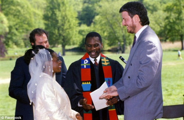 De Blasio and McCray married in 1994. It has been reported that they honeymooned in communist Cuba