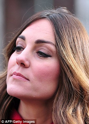 duchess of cambridge kate middleton shows off darker hair at charity event daily mail online