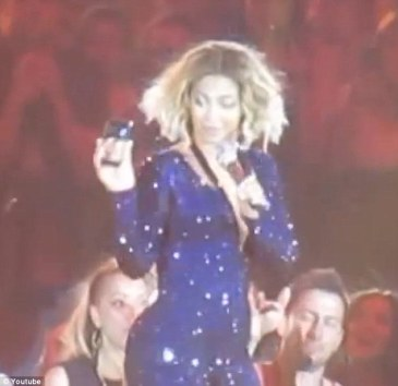 'This is a first!' Beyonce spontaneously FaceTimed with a fan while performing Love on Top at her Adelaide concert in Australia Thursday