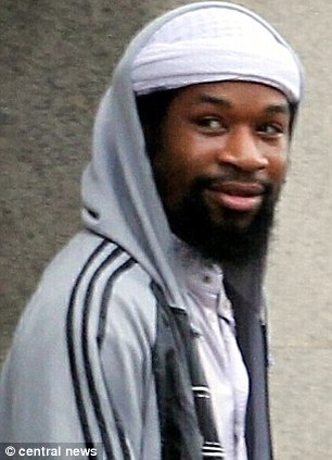 Ricardo McFarlane joined a ¿Muslim Patrol¿ in east London to impose Sharia Law