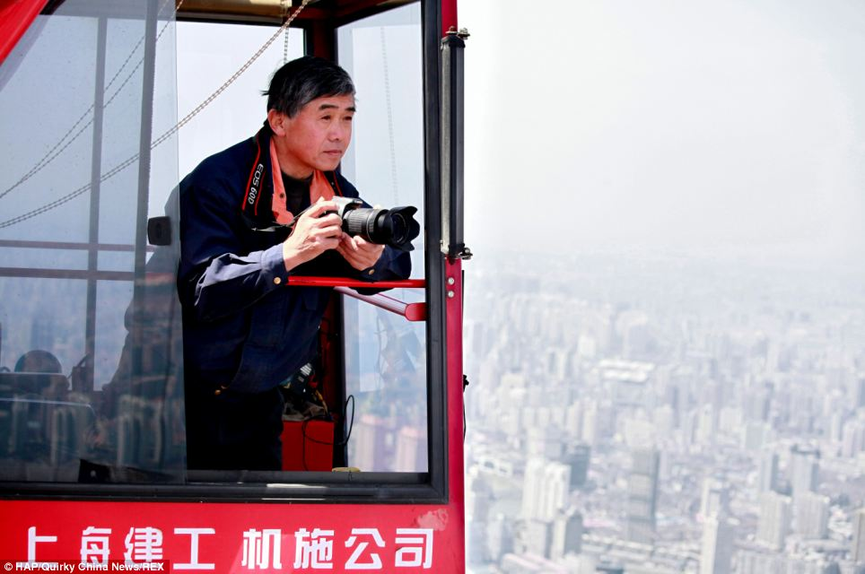 Wei Gensheng (pictured) has won second place in the Shanghai City Photography Competition for his series of pictures