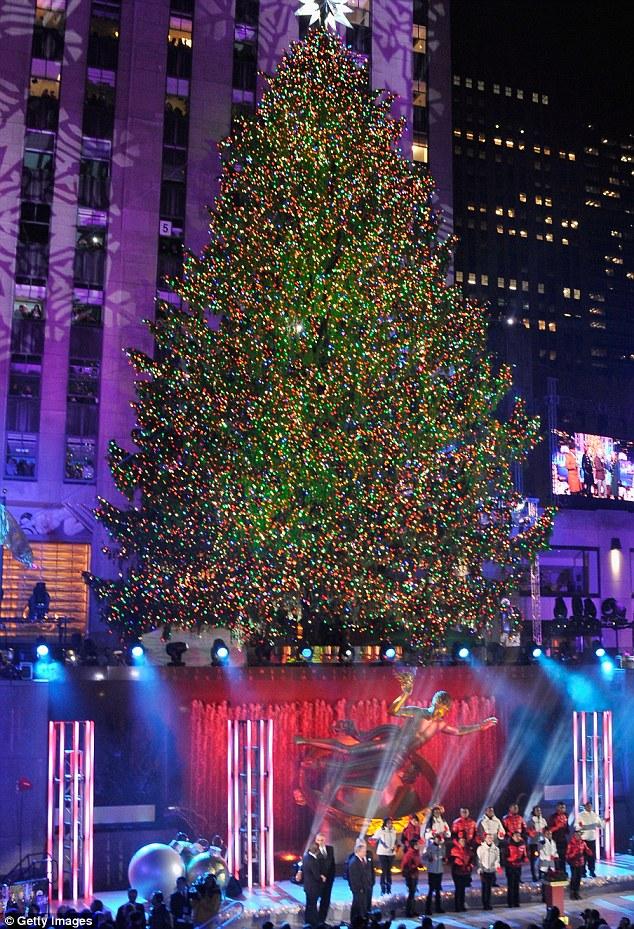 Center Tree Lit Rockefeller