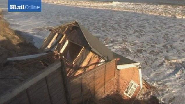 7th dec 2013 houses damaged _storm surge