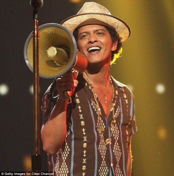 bruno mars now my girl is dancing with another man
