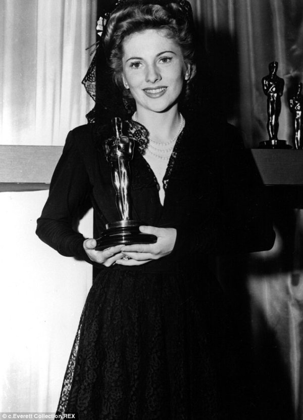 KATCHING MY I: Oscar winning actress Joan Fontaine has ...