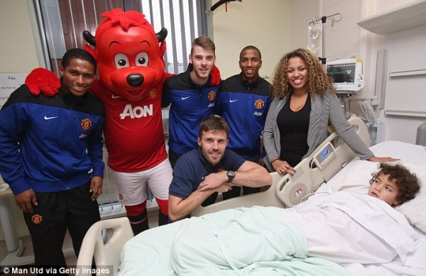 Manchester United stars including Ryan Giggs and Michael ...