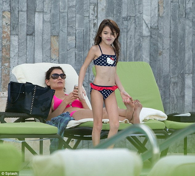 Katie Holmes Strips Down To Hot Pink Bikini As She Lounges