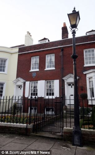 The house in Portsmouth where Dickens was born is less than a mile from the statue