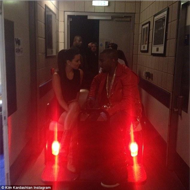 Kim Kardashian Receives A Thousand Roses From Fianc