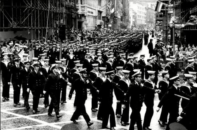 Desfile: La victoria fue un triunfo para las islas, los militares británicos, y el entonces primer ministro Margaret Thatcher