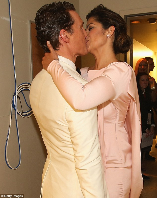 Trophy Wife And Camilla Gave Her Oscar Winning Man A Lingering Kiss To Make