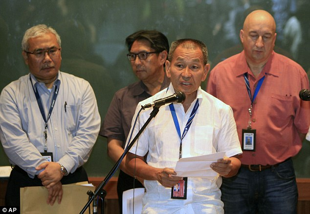Update: Malaysian Airlines chief executive Ahmad Jauhari Yahyain speaks at a press conference on Saturday
