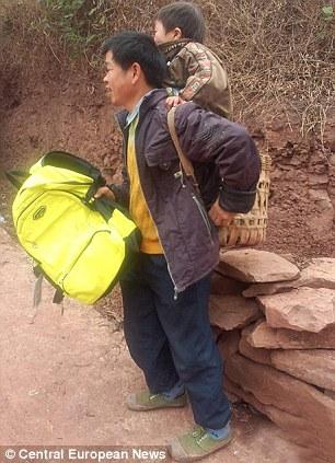 Devoted Chinese dad Yu Xukang