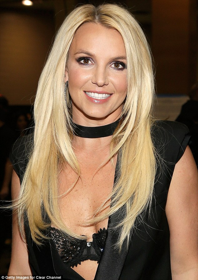 Britney Spears Hits Her Local Supermarket Dressed In Gym