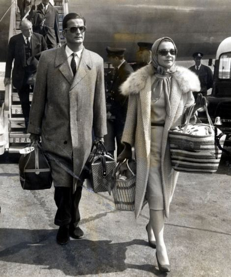 Leigh em 1967 com o ator canadense John Merivale, que era seu companheiro em seus últimos anos de vida