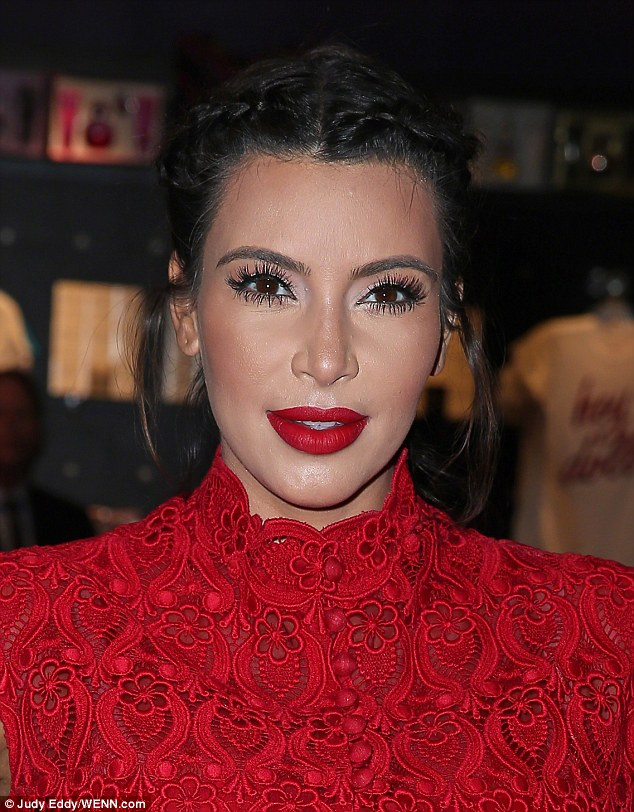 Even By Her Standards Kim Kardashian Known For Caking On The Make Up