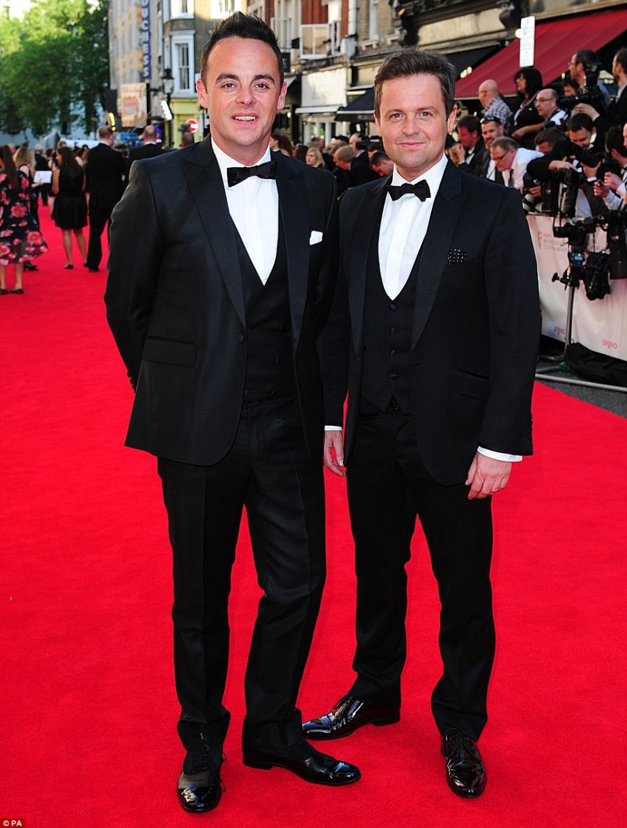 Sunday night taakeway: Ant & Dec arrived together in smart suits and are up for an award