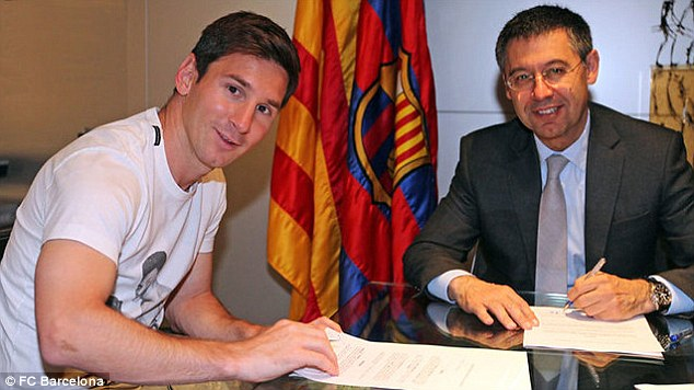Lionel Messi and Jose Maria Bartolomeu
