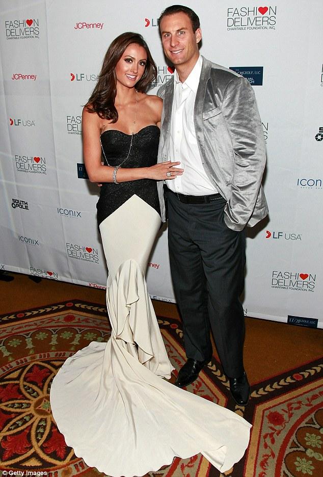 Felicidade conjugal: Katie amarrou o nó com o empresário Andrew Stern em 2010