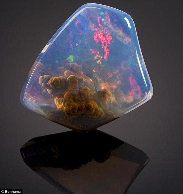 The breathtaking Contra Luz Opal was found in Oregon, which appears to have a nebula inside it