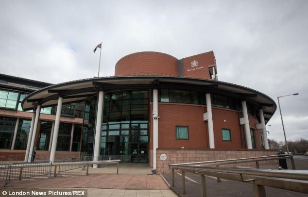 Rossiter foi preso por três anos em Preston Crown Court, na foto, depois de ter sido condenado por um júri de 11 homens e uma mulher