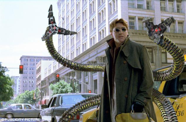 Bras pour le mal!  Bras robotiques du MIT peuvent ressembler à ceux de Spider-Man méchant Otto Octavius, ou Dr Octopus (photo), mais contrairement aux créations de bandes dessinées, ils ne sont pas fusionné au corps d'une personne et ne peuvent pas être contrôlés par l'esprit