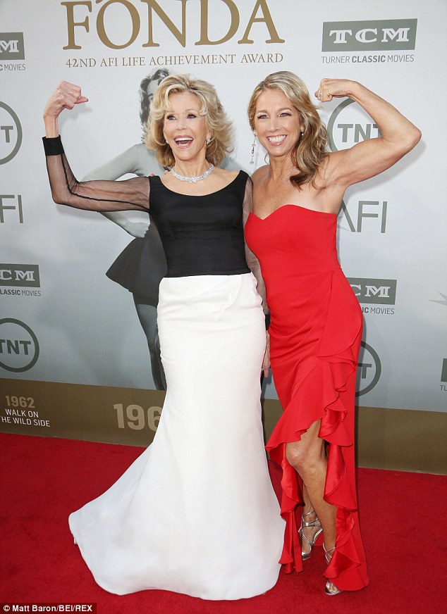 Jane Fonda Wows As She Accepts Lifetime Achievement Award