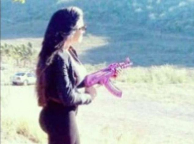 With her signature pink AK-47, Claudia is reported to be in charge of Los Antrax, a hit squad who carry out executions on behalf of the Sinaloa cartel