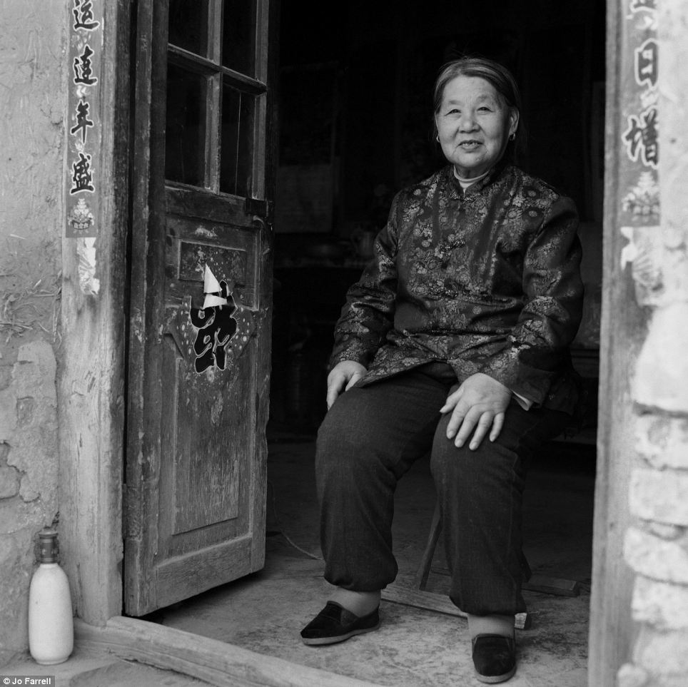Status: The women photographed are all peasant farmers living and working in rural areas, far away from the city life where foot binding was used as a display of social status, as wealthy women who did not need to work would have their feet bound