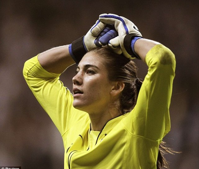 Arrested U S Olympic Gold Medalist Soccer Player Hope Solo Was Taken Into Custody Early Saturday