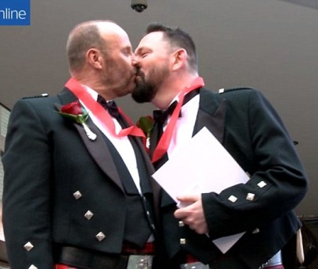 First Uk Consulate Gay Marriage Takes Place In Sydney Daily Mail Online