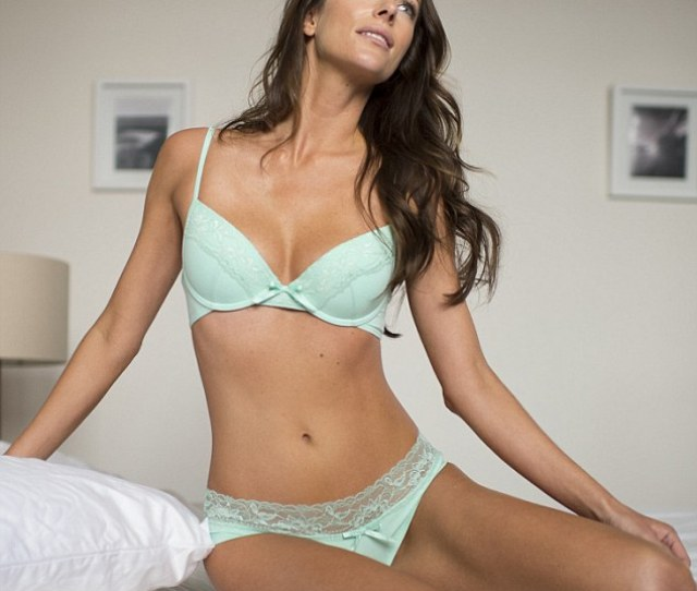 Esther Anderson Appears In A Tuffy Tuffets Campaign Must Credit Photgrapher And Link Back