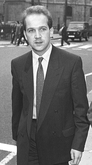 El ex activista Anthony Gilberthorpe, izquierda, afirma que se le pidió que encontrar chicos menores de edad para tener relaciones sexuales durante las conferencias del partido Tory cuando Margaret Thatcher fue líder en la década de 1980