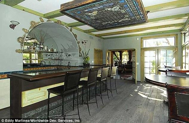Social: uma área de bar espaçoso é o local ideal para entreter os convidados