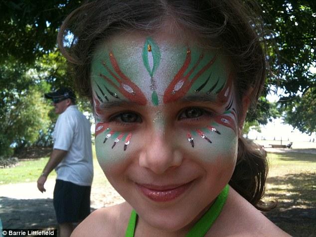 Eloise Littlefield, de Manly, en las playas del norte de Sydney, que murió de cáncer cerebral a la edad de 10 en 2011