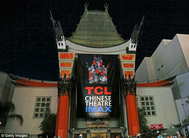Honor: The lights are dimmed in honor of actor Robin Williams at the TCL Chinese Theatre on August 12, 2014 in Los Angeles, California