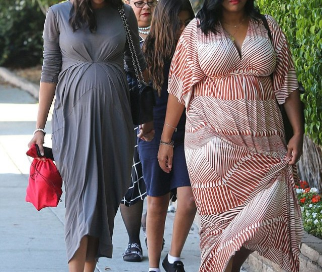 Mom To Be Zoe Saldana Stepped Out Beside Her Sister Mariel
