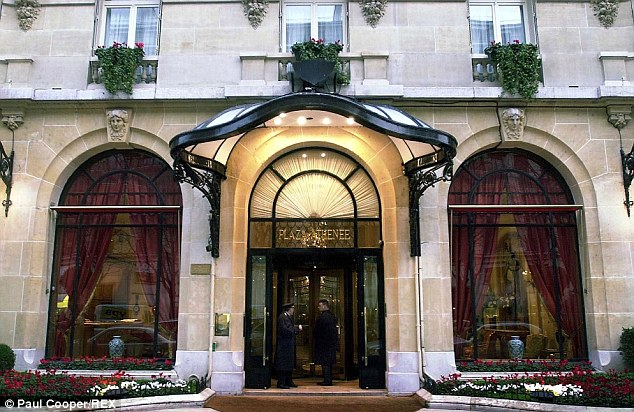 The restaurant in the luxury Plaza Athénée Hotel in Paris will reopen on Monday following a refurbishment