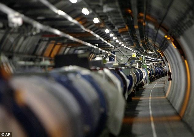 El físico teórico escribió sus pensamientos sobre el bosón de Higgs en el prefacio de un libro nuevo, Starmus, que se libera a principios de noviembre de este año