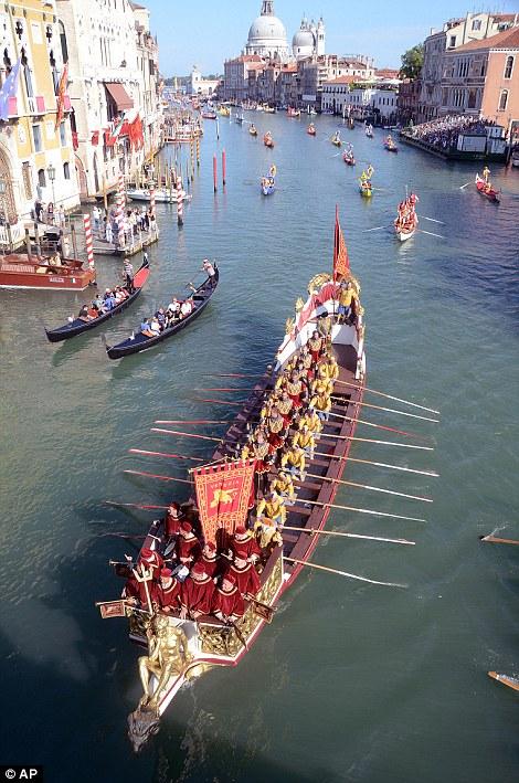 O concurso é pensado para comemorar a chegada de Caterina Cornaro, a esposa do rei James II de Chipre, em 1489