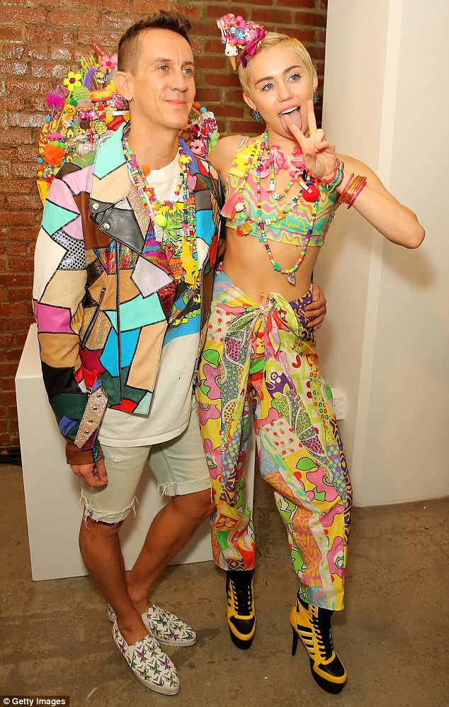 Miley Cyrus Debuts Dirty Hippie Installation At Jeremy