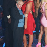"Lauren Goodger smothers ""Leslie Jordan"" with her boobs at the Celebrity Big Brother final!"