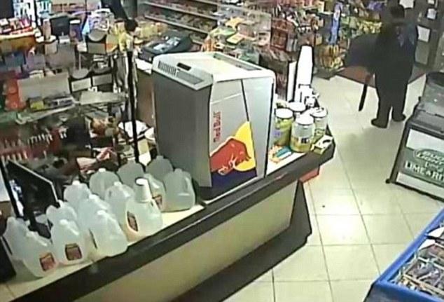 armed rubber shot dead by Shop Owner in Houston - ozara gossip