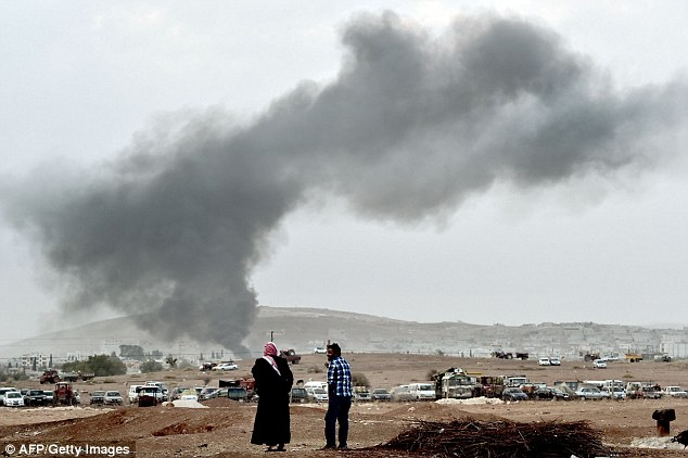 Fierce fighting between Kurdish troops and Islamic State militants has continued in the Syrian border town of Kobane today as the Islamic fighters push to take control