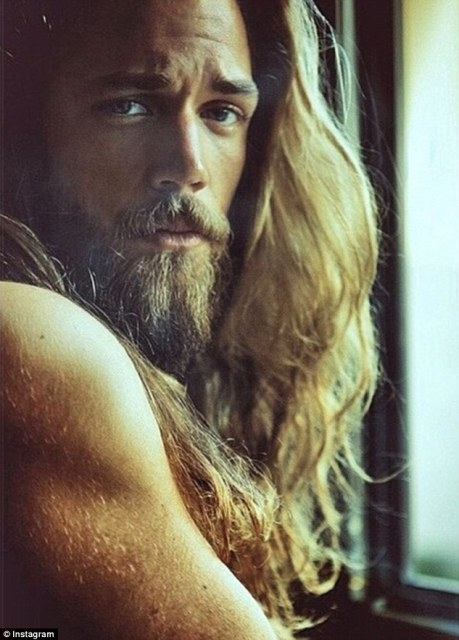 Ben Dahlhaus has almost 20,000 fans of his official Facebook Page
