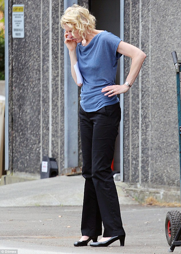 Cate Blanchetts Body Double Is An EXACT MATCH On Set Of