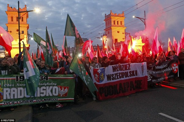 Clashes break out in Warsaw during Poland's Independence ...